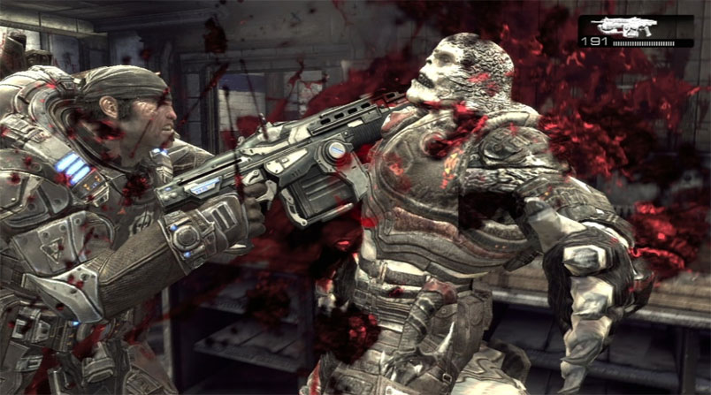Gears of War Marcus Fenix uses Lancer chainsaw gun