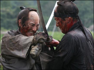 13 Assassins final battle between Hanbei and Shinzaemon