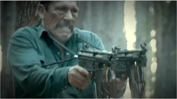Danny Trejo fires double MPK5s in PREDATORS