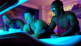Pain & Gain trio count money on a tanning bed