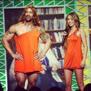 Dwayne Johnson in a matching dress with Miley Cyrus on instagram